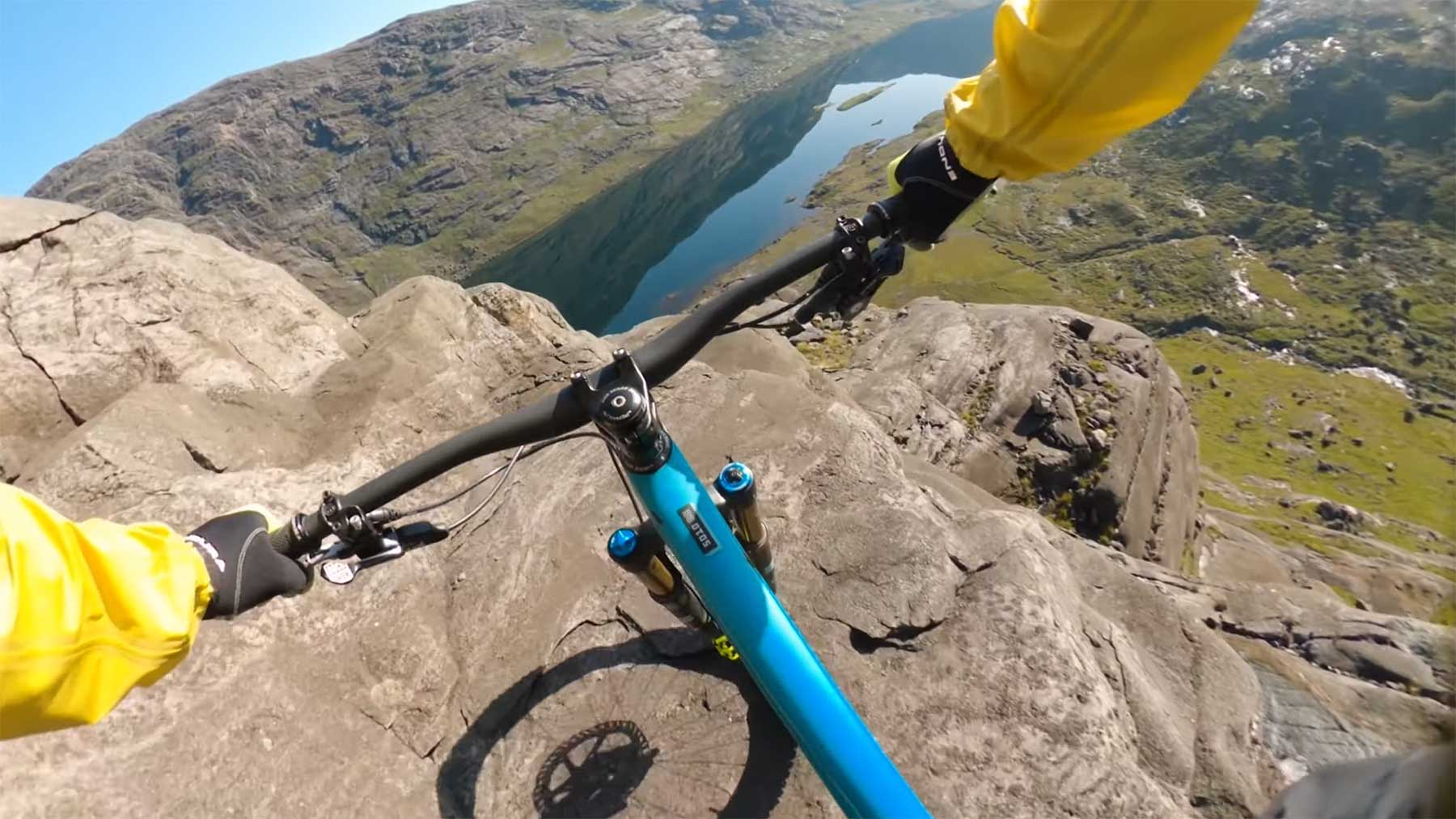 "Mountainbiking: Danny MacAskill – ""The Slabs"""