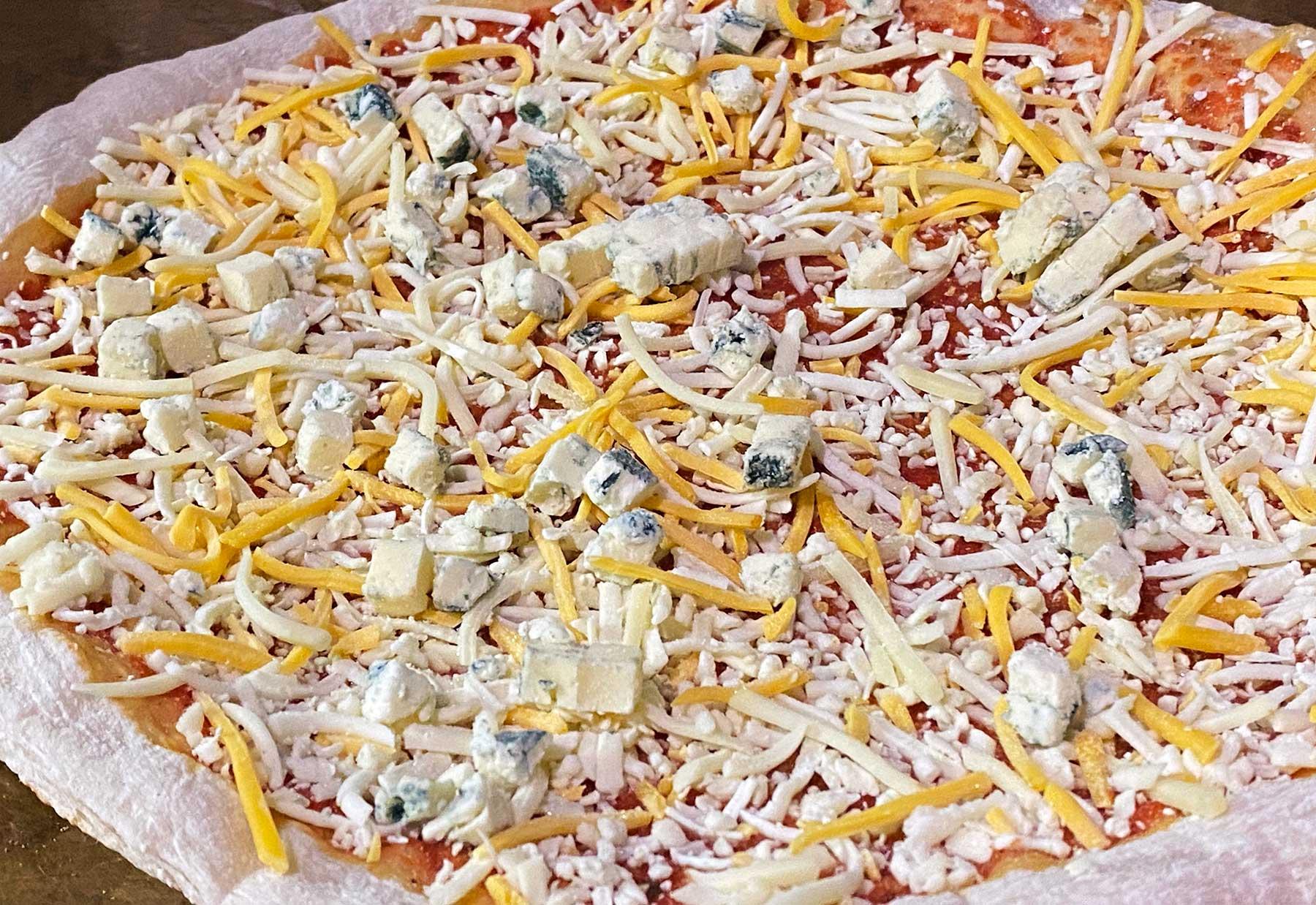 """""""Vier Käse für ein Halleluja."""" - Bud Spencer & Terence Hill Pizza von Gustavo Gusto im Test Gustavo-Gusto-4-Kaese-fuer-ein-Halleluja-Pizza-Test_03"""