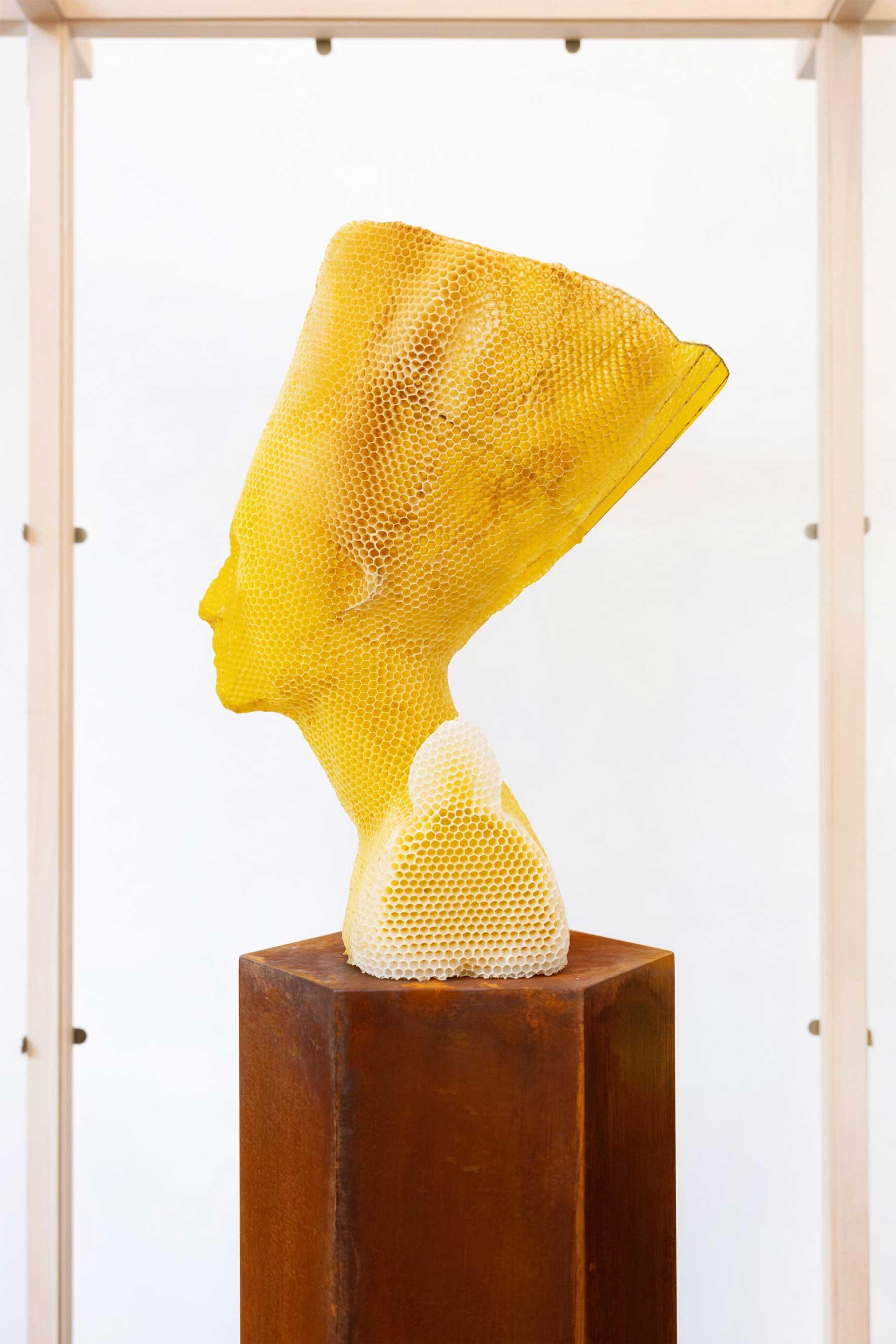 Bienenwachs-Skulpturen von Tomáš Libertíny Tomas-Libertiny-Bienenwachs-skulpturen_03