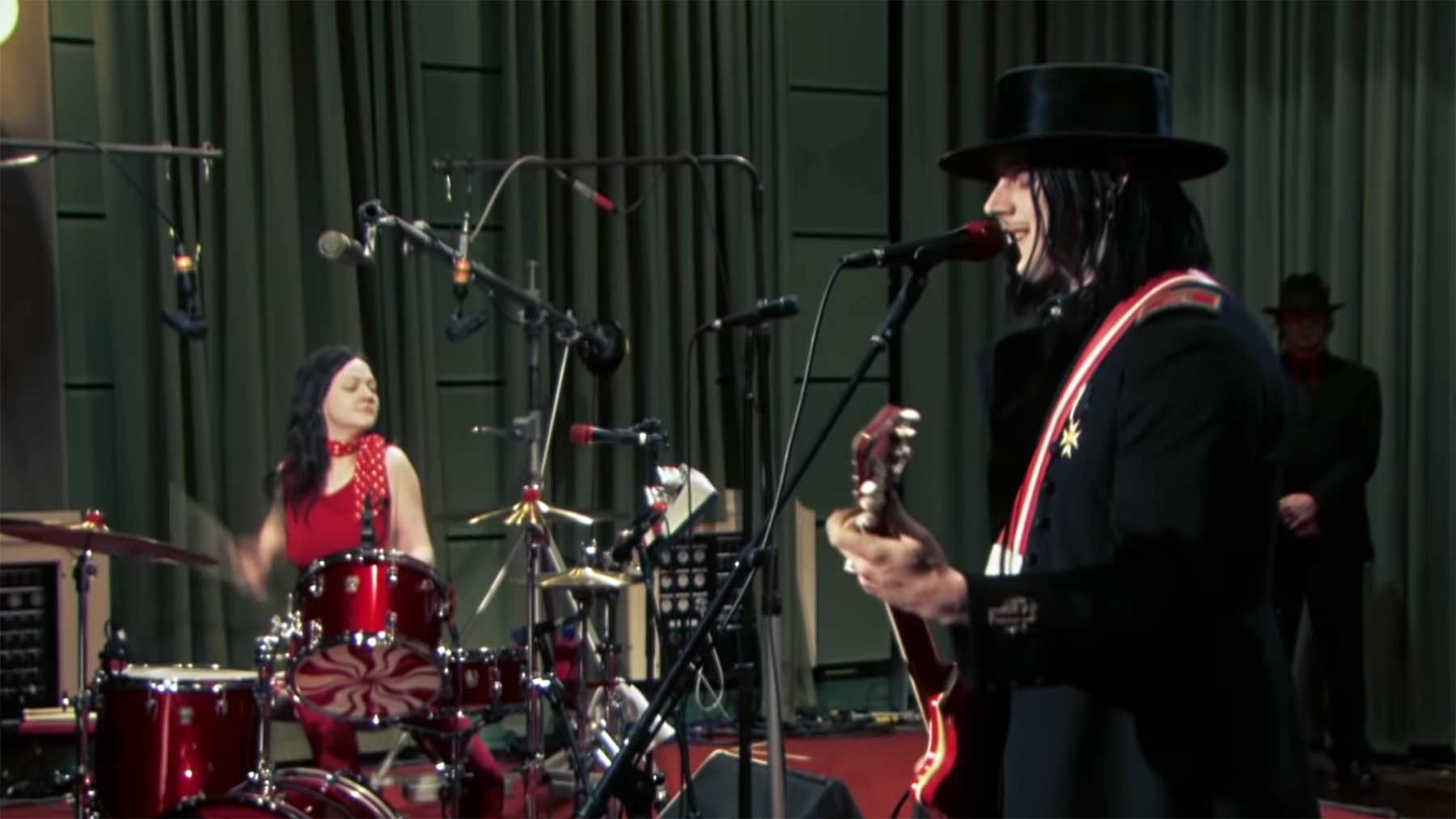 "The White Stripes - ""From the Basement"" (Live-Set) The-White-Stripes-From-the-Basement-live"