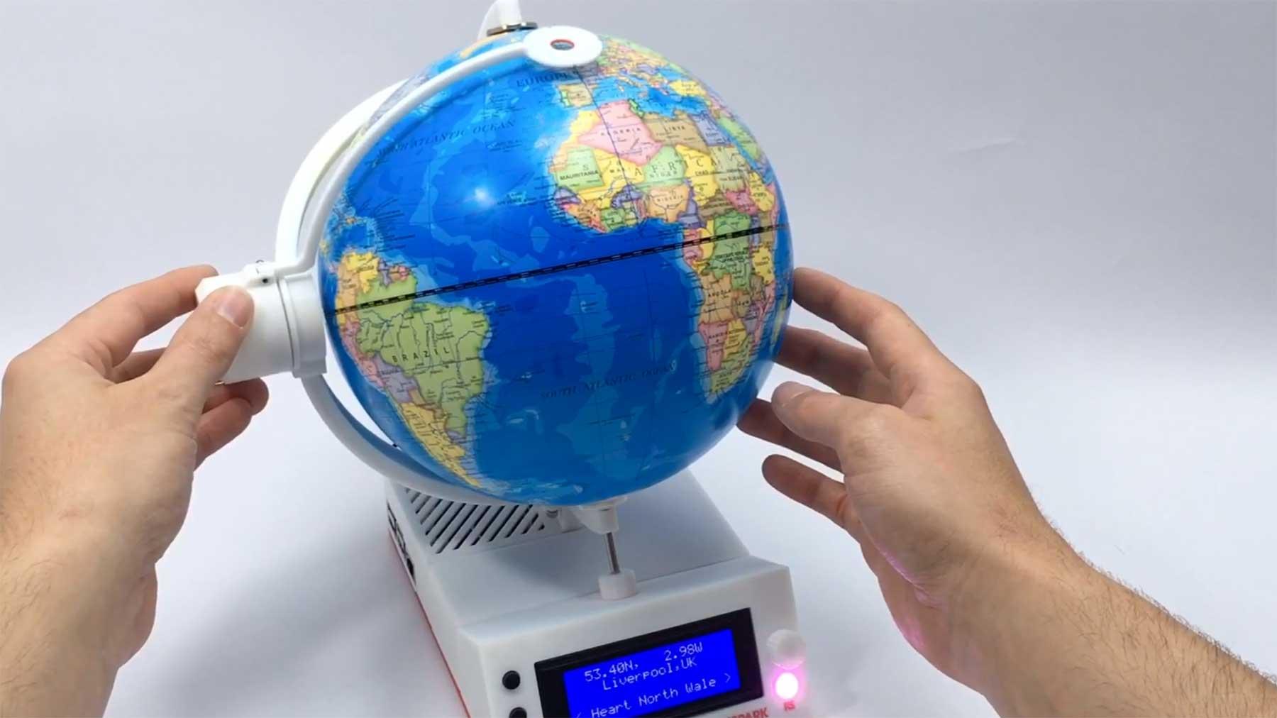 """Der """"RadioGlobe"""" spielt Radiosender aus aller Welt"""