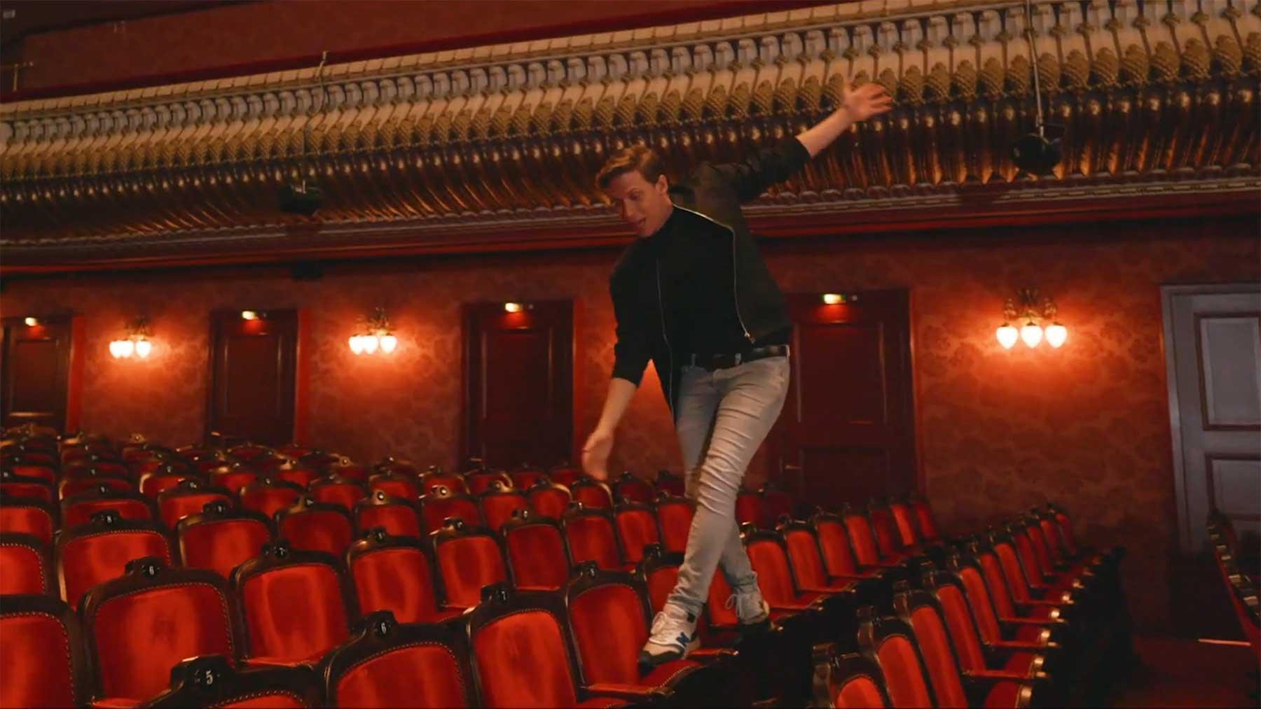 """Musikvideo: """"Berlin, Berlin"""" aus """"Ku'damm 56: Das Musical"""" Berlin-Berlin-musikvideo-kudamm-56-musical"""