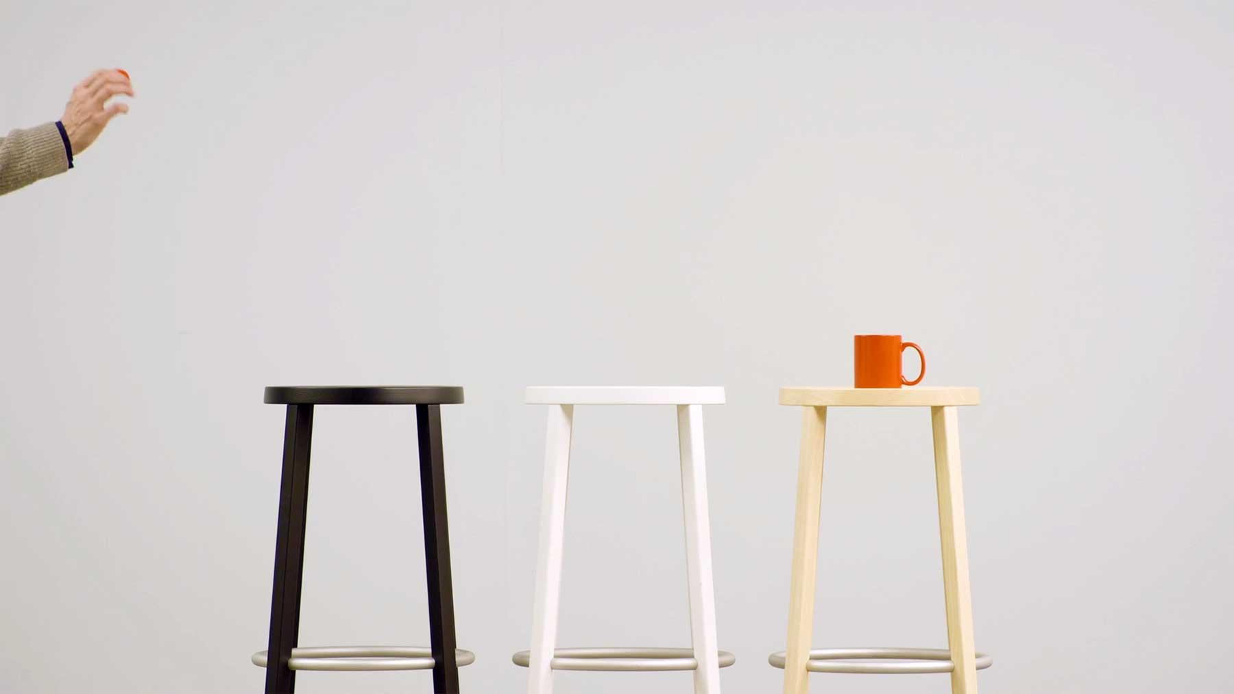 "Ping-Pong-Trickshots auf Mobiliar: ""PLANK"""