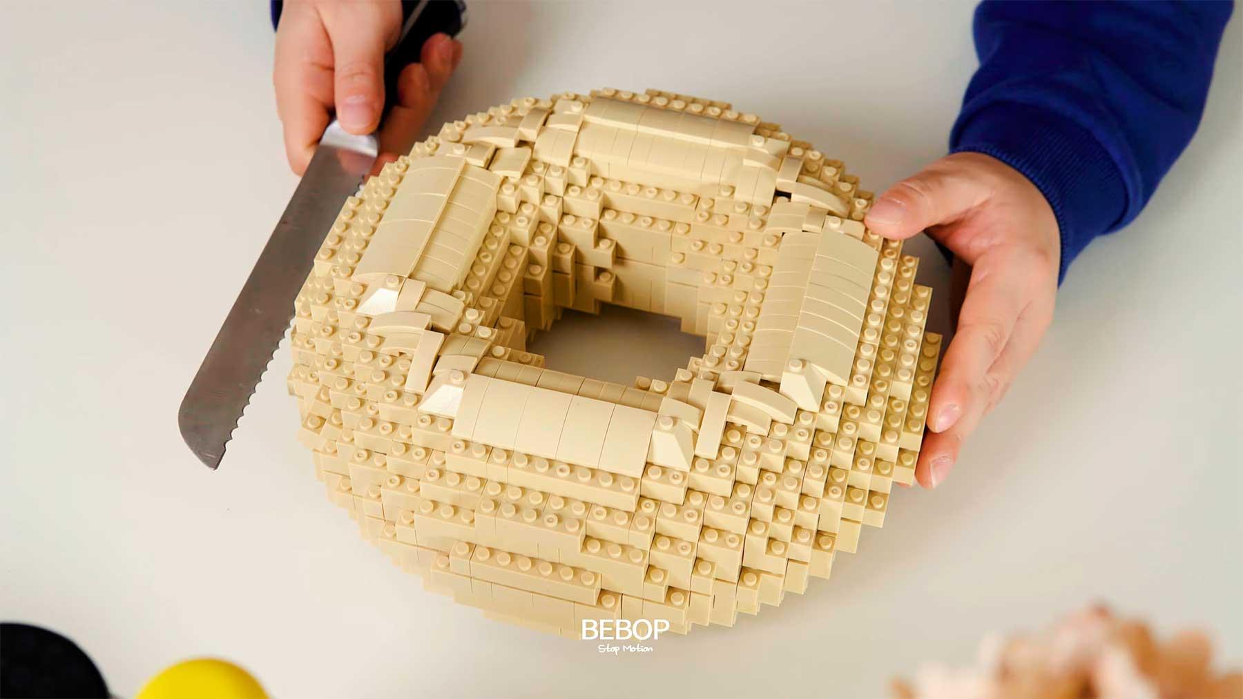 Stopmotion: Gigantischer LEGO-Bagel von Bebop