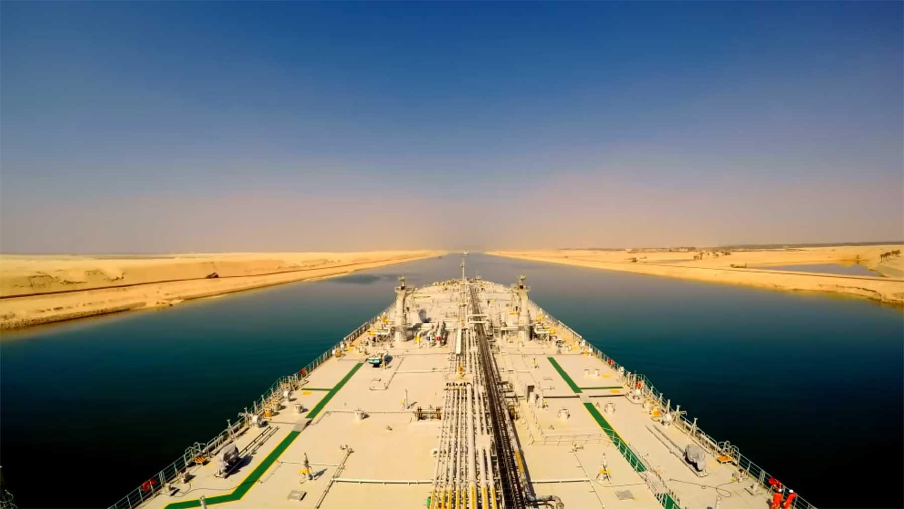 Sueskanal: Wartende Schiffe und komplette Durchfahrt