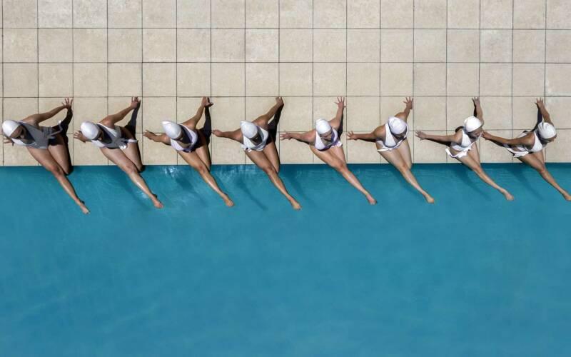 Synchronschwimmen-Luftaufnahmen von Brad Walls