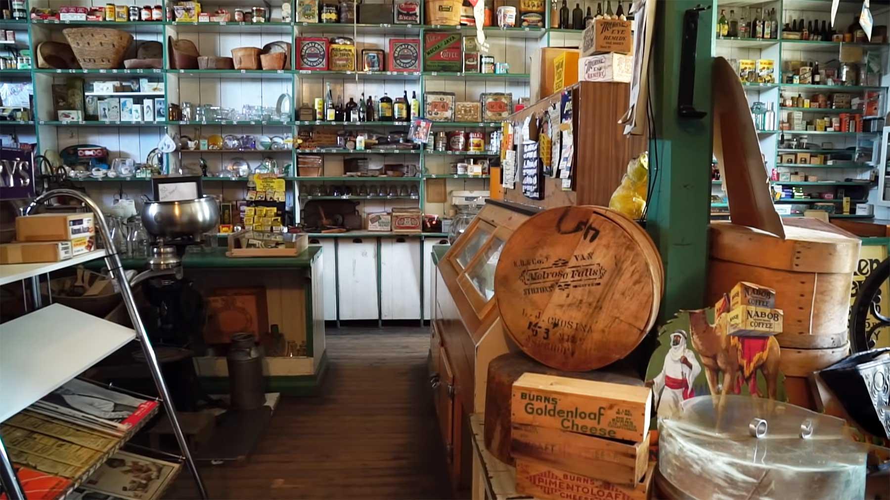 Einblick in einen seit 1963 verlassenen Laden