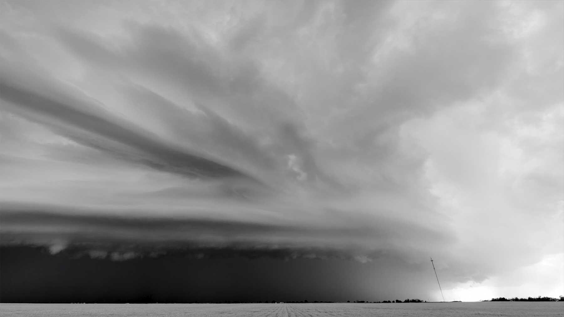 "Neue Sturmlapse von Mike Olbinski: ""Shadows In The Sky"""