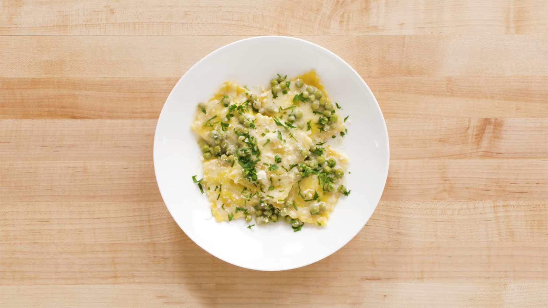 Köche unterschiedlicher Fähigkeitsstufen machen Ravioli 4-levels-of-ravioli