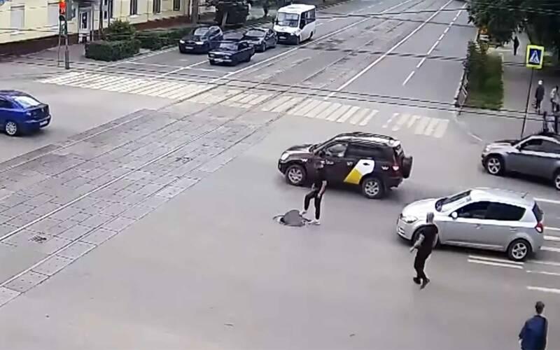 Die skurrile Geschichte eines russischen Gullideckels