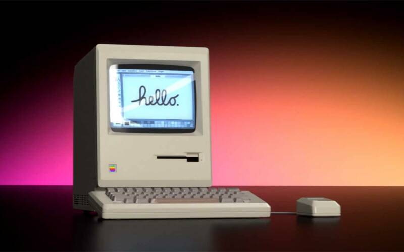 Moderne Werbe-Animation für einen alten Macintosh 128k Computer
