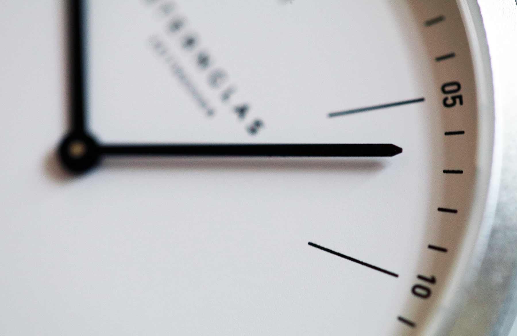 Extra leichte Armbanduhr im Bauhausdesign: Die neue STERNGLAS Modesto Sternglas_Modesto_Armbanduhr_Test_02