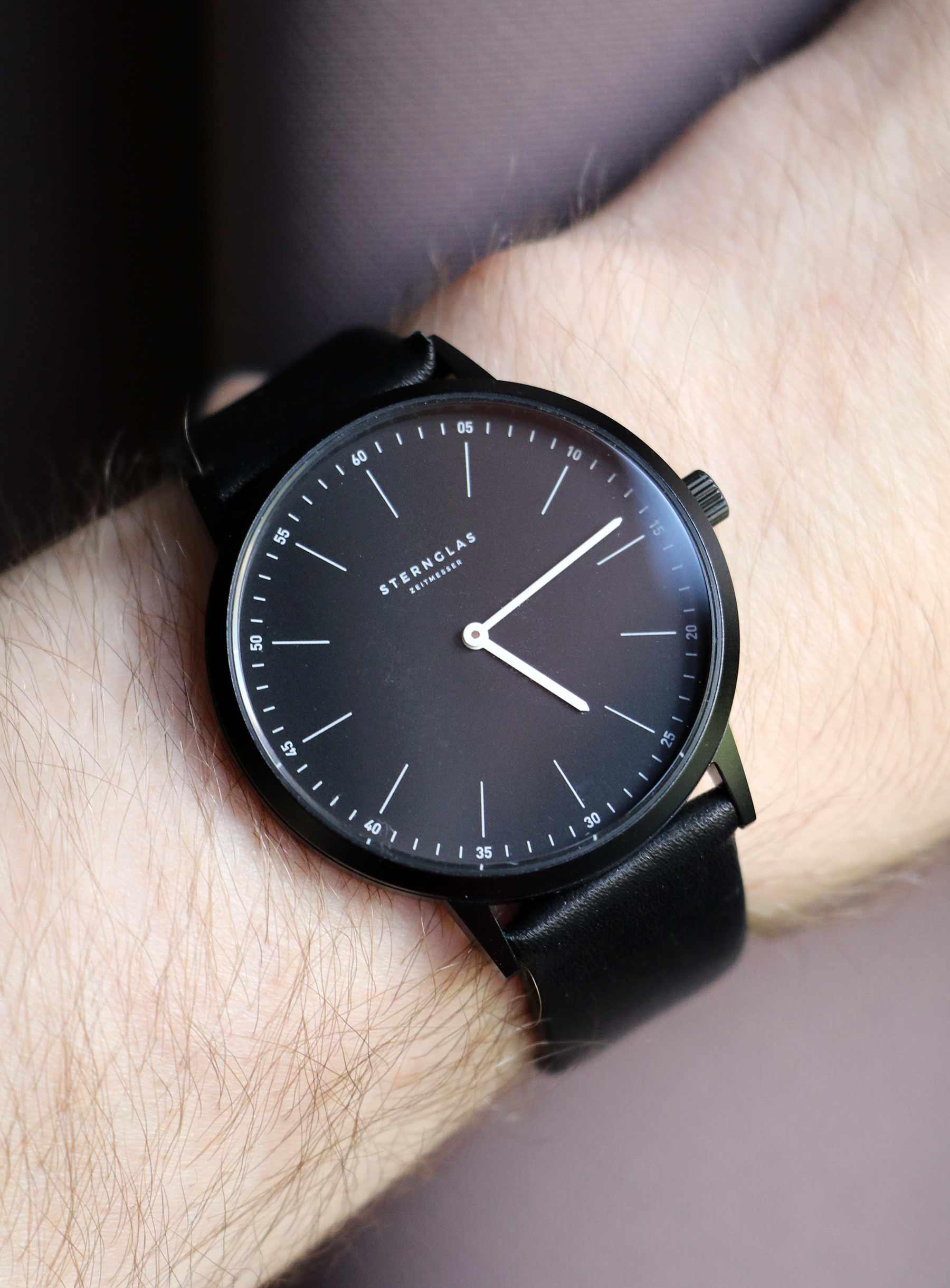 Extra leichte Armbanduhr im Bauhausdesign: Die neue STERNGLAS Modesto Sternglas_Modesto_Armbanduhr_Test_03