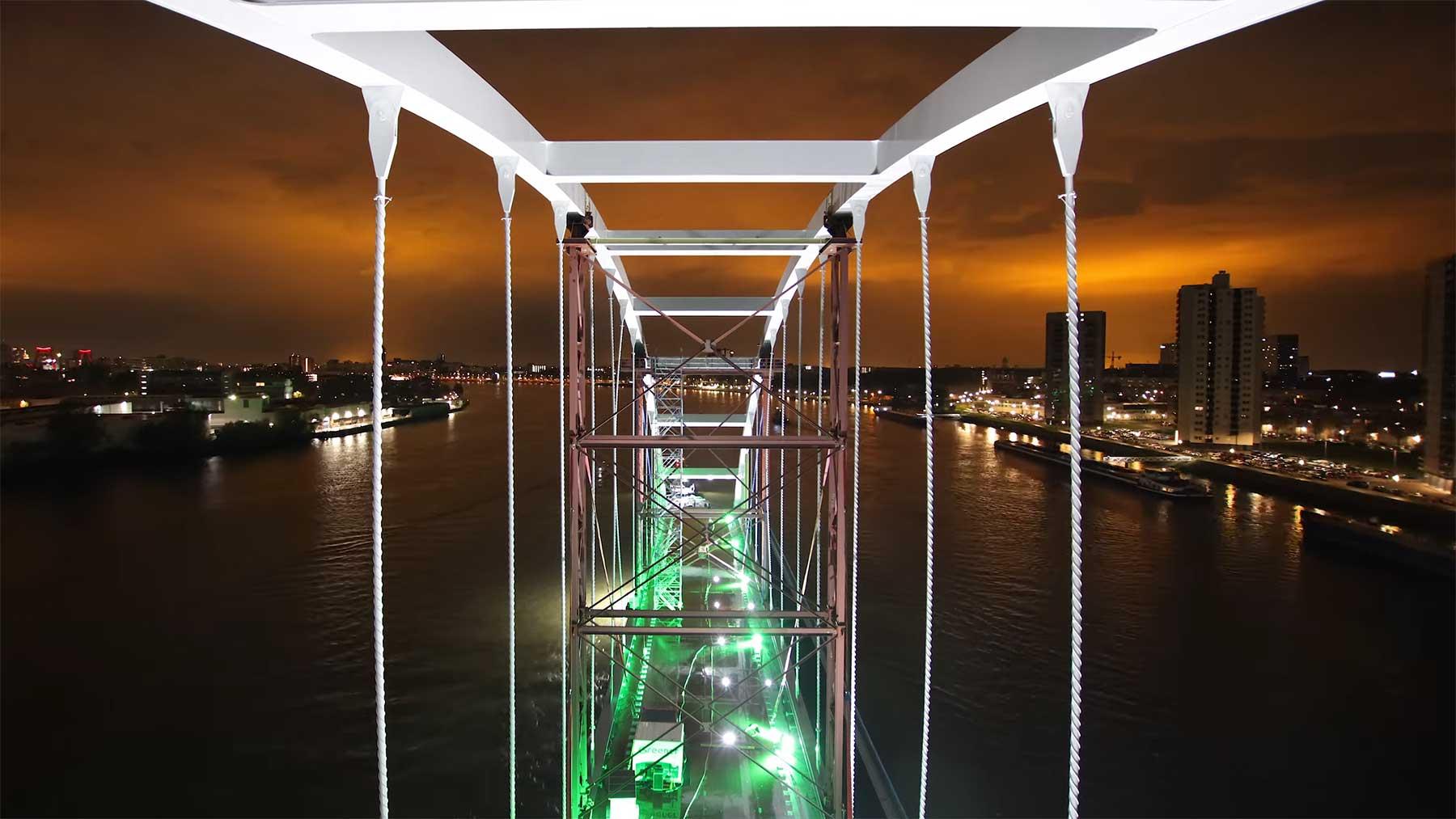 Timelapse: Die Reise & der Aufbau einer Brücke