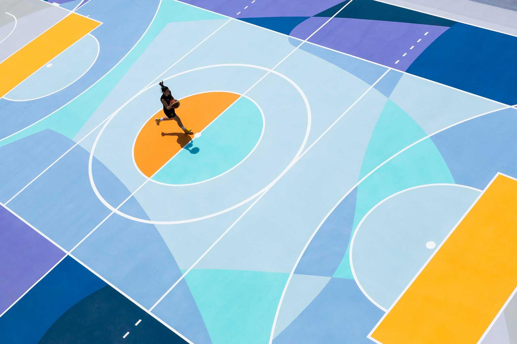 Farbenfrohe Basketballplätze von Gummy Gue
