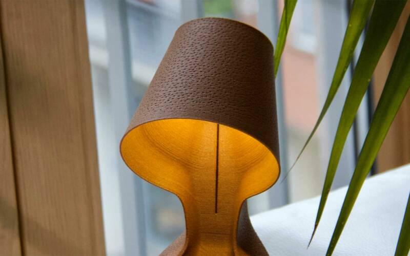 Kompostierbare Lampe aus 3D-gedruckten Orangenschalen