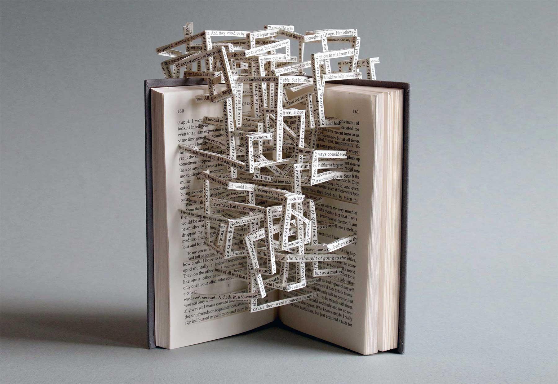 Buchseiten-Skulpturen von Stephen Doyle