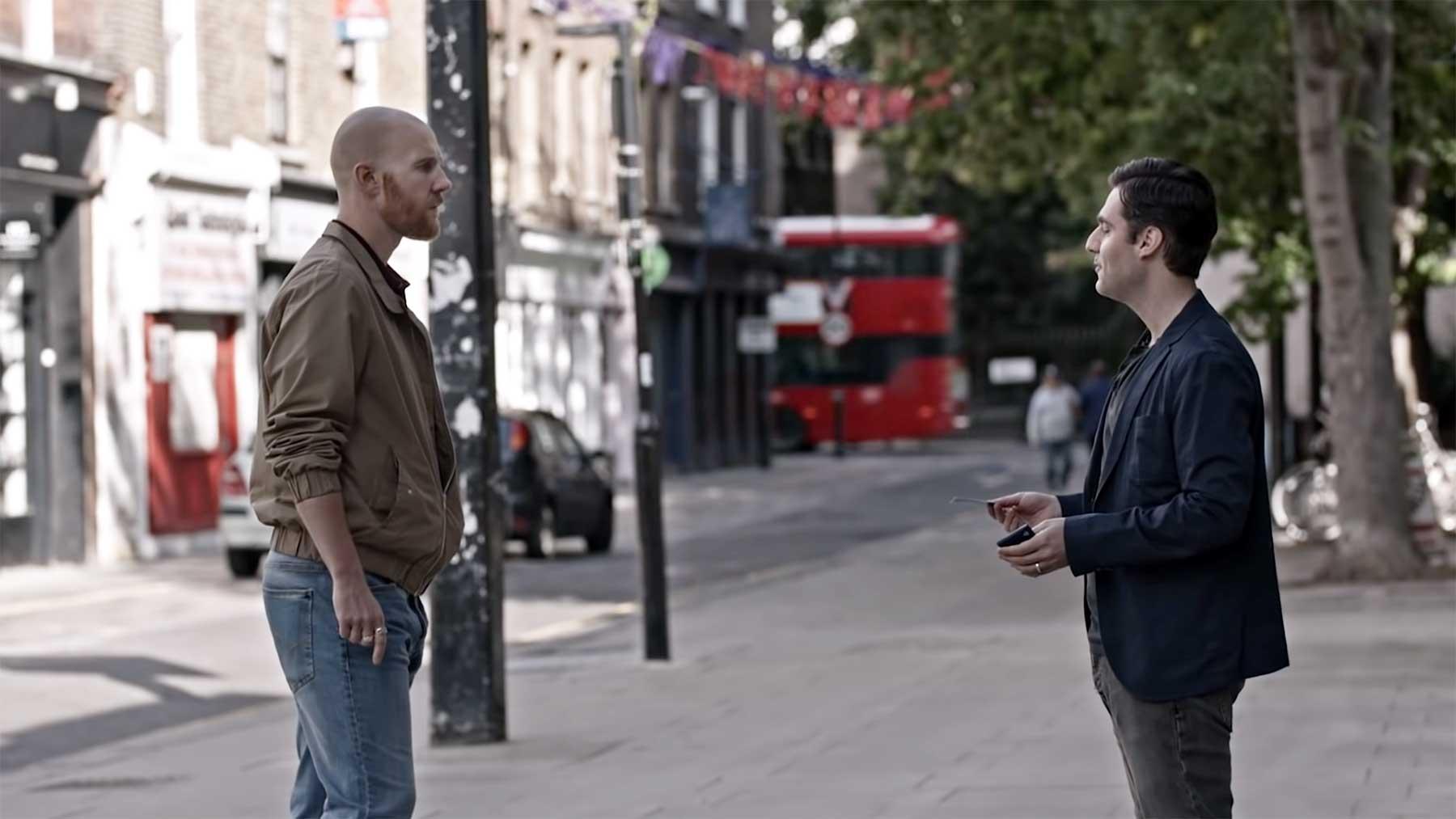 "Kurzfilm ""Two Strangers Who Meet Five Times"""