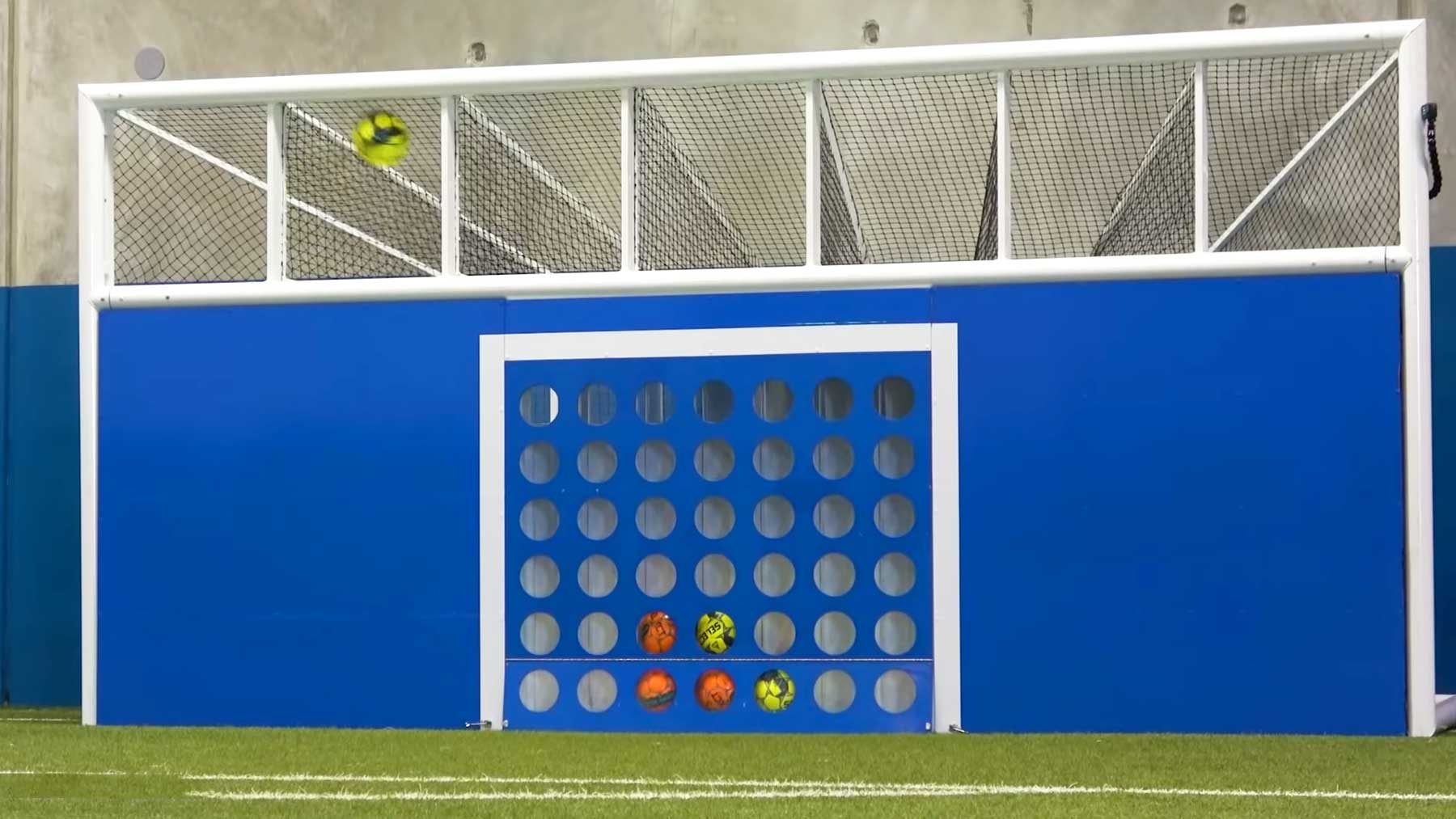 """Fußball-""""4 gewinnt"""" spielen Fussball-vier-gewinnt-spielen"""