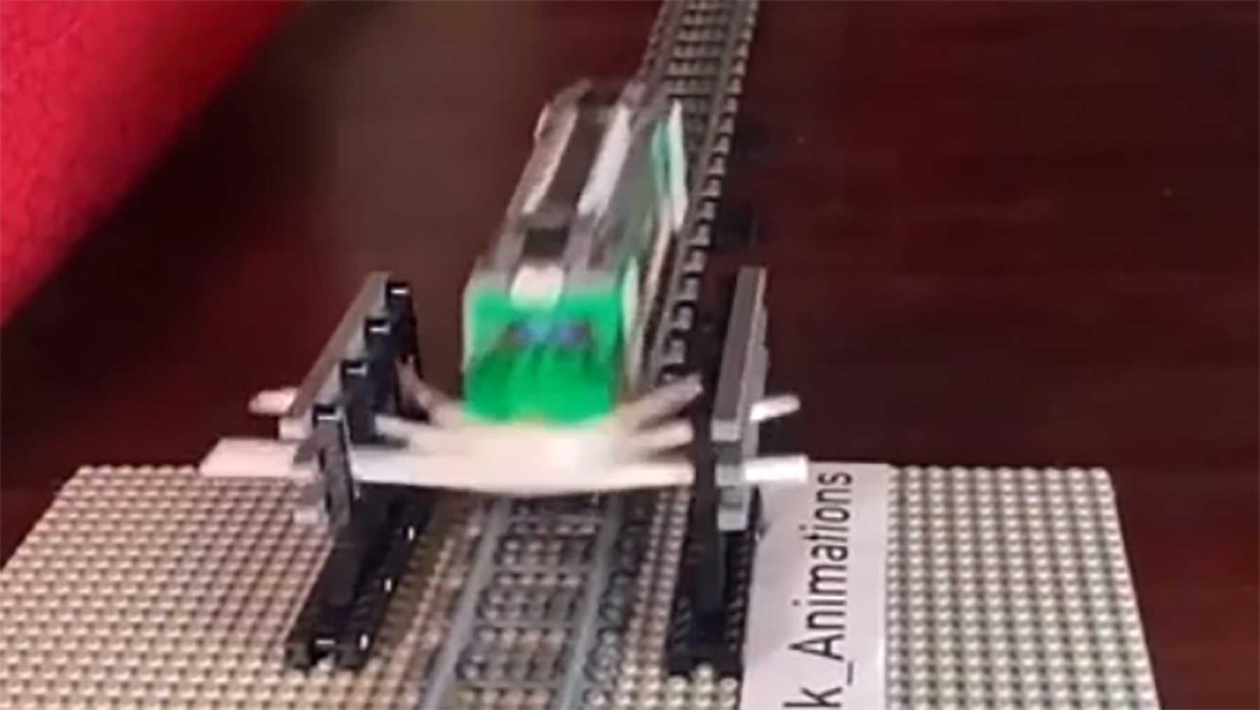 Wie viele Strohhalme braucht es, um einen LEGO-Zug anzuhalten?
