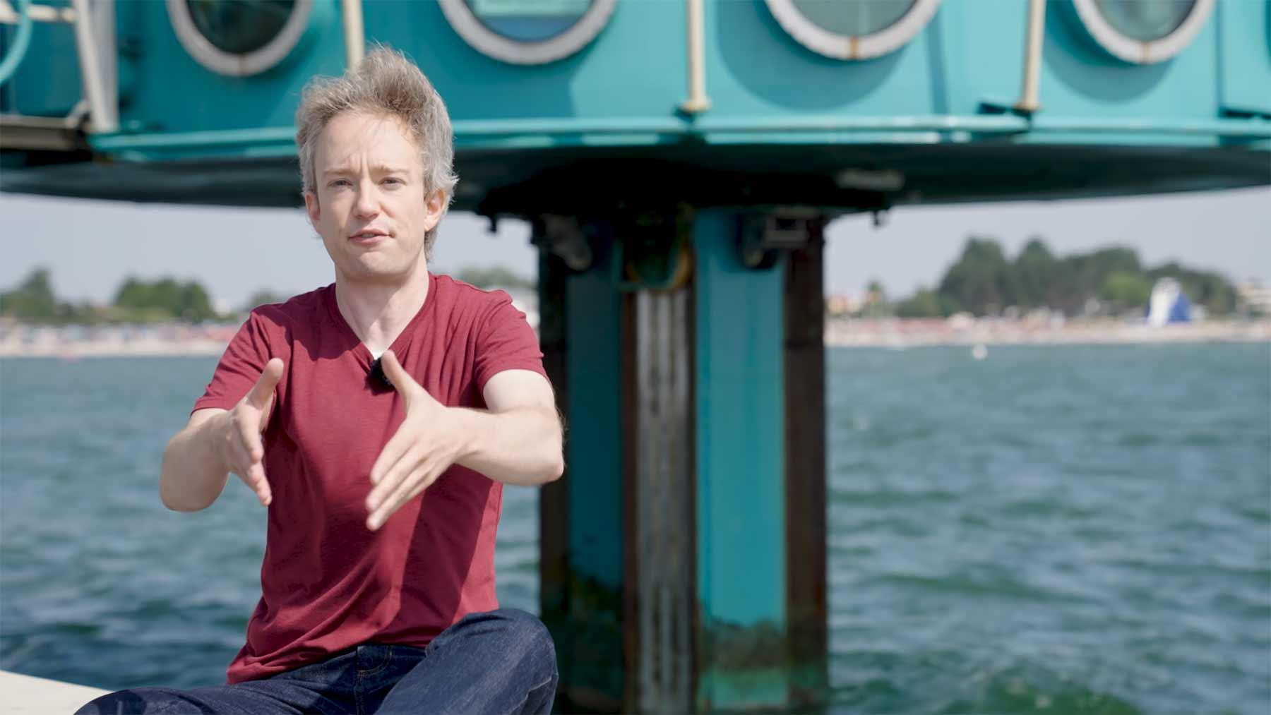 Tom Scott hat die Tauchgondeln an der Ostsee besucht Tom-Scott-Tauchgondel-ostsee
