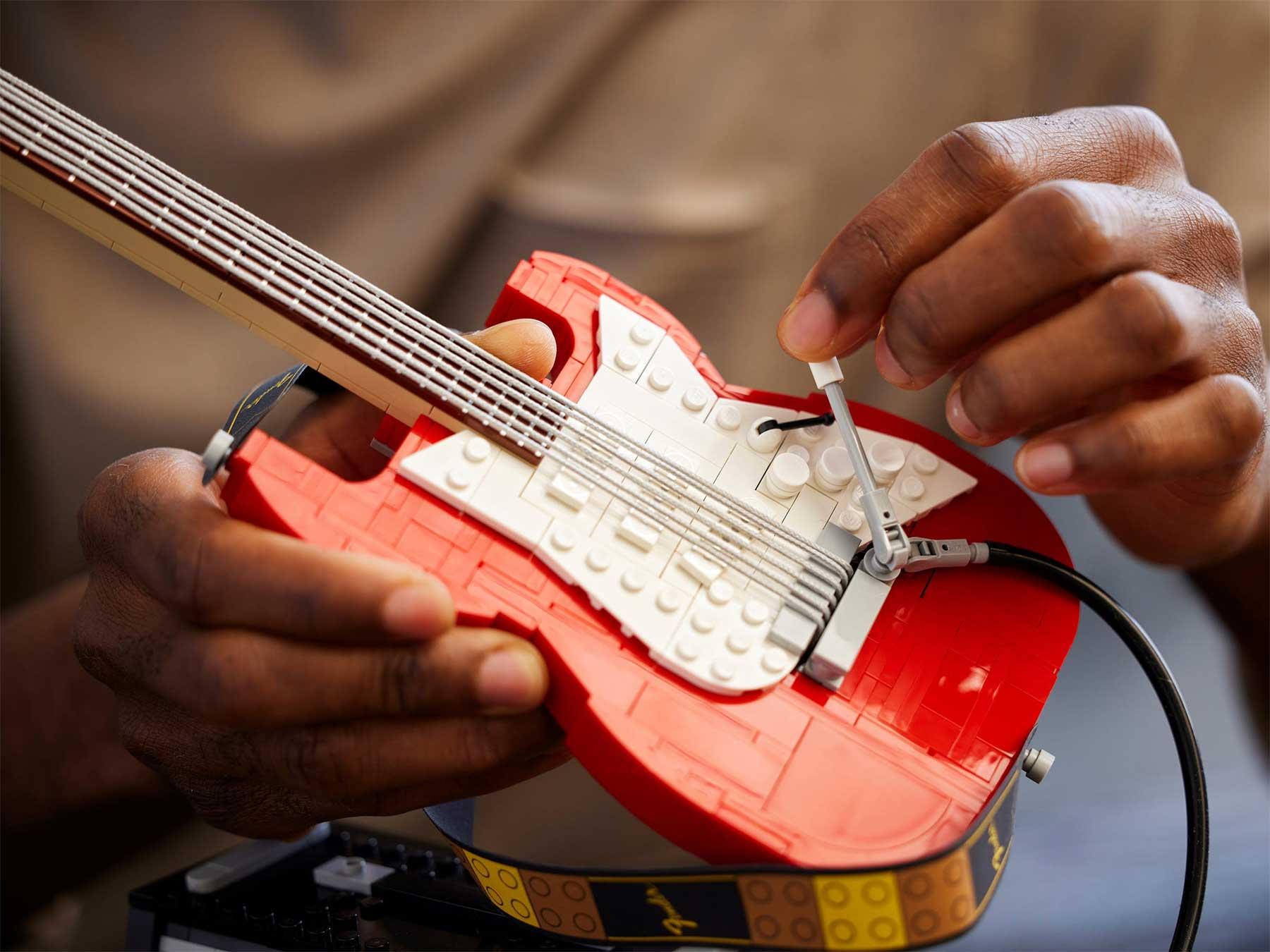 LEGO-Gitarre: Das Fender-Stratocaster-Design LEGO-Gitarre-fender-Stratocaster_02
