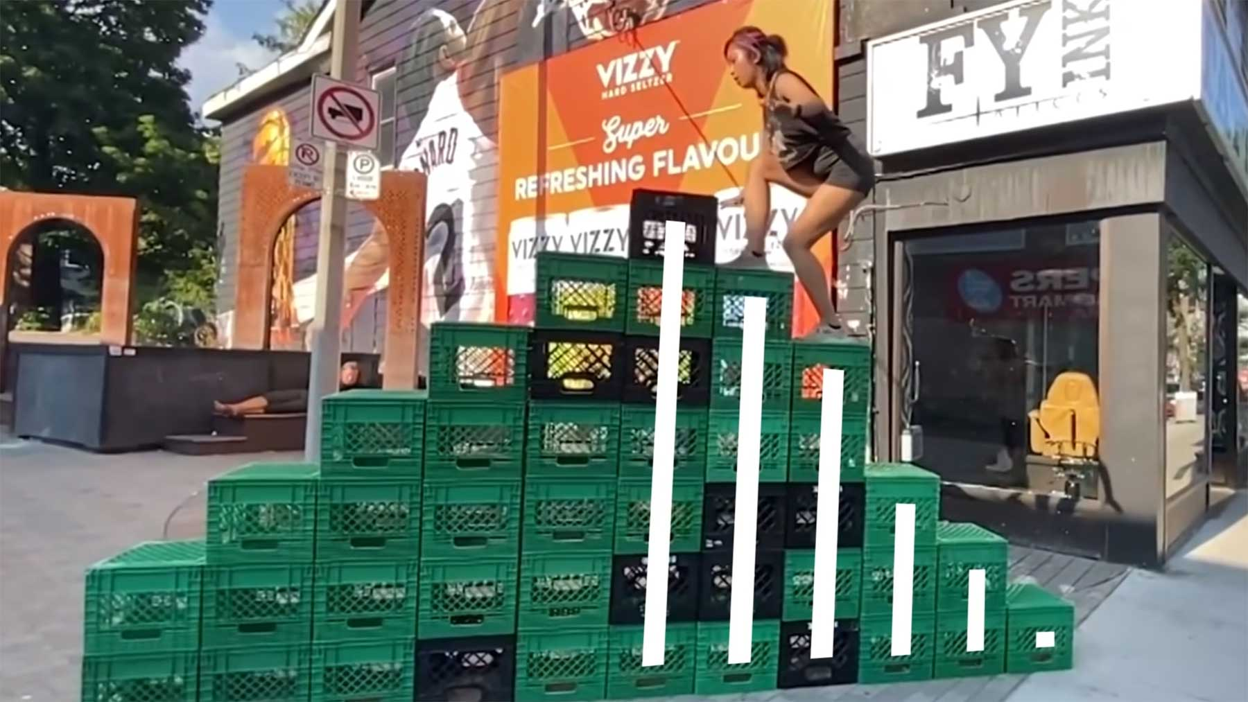 """Die """"Milk Crate Challenge"""" physikalisch betrachtet"""