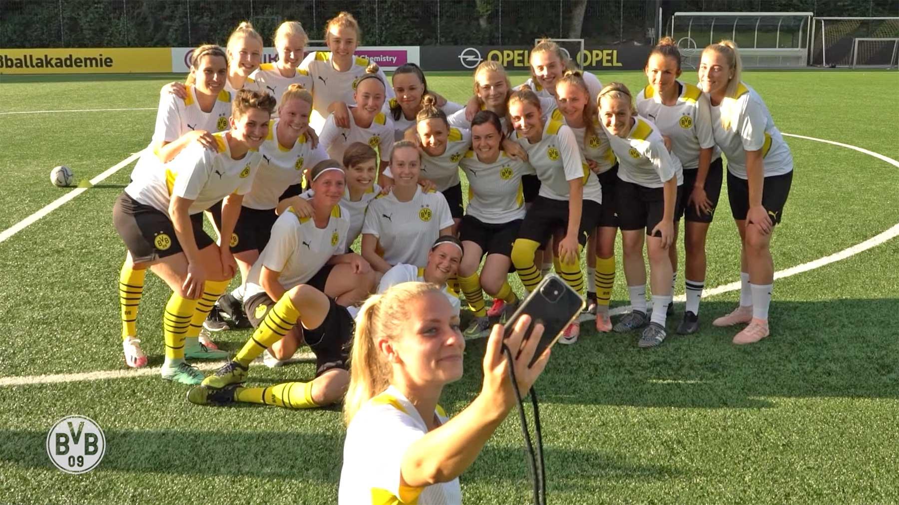 Dokumentation zum Start der BVB-Frauenfußballmannschaft