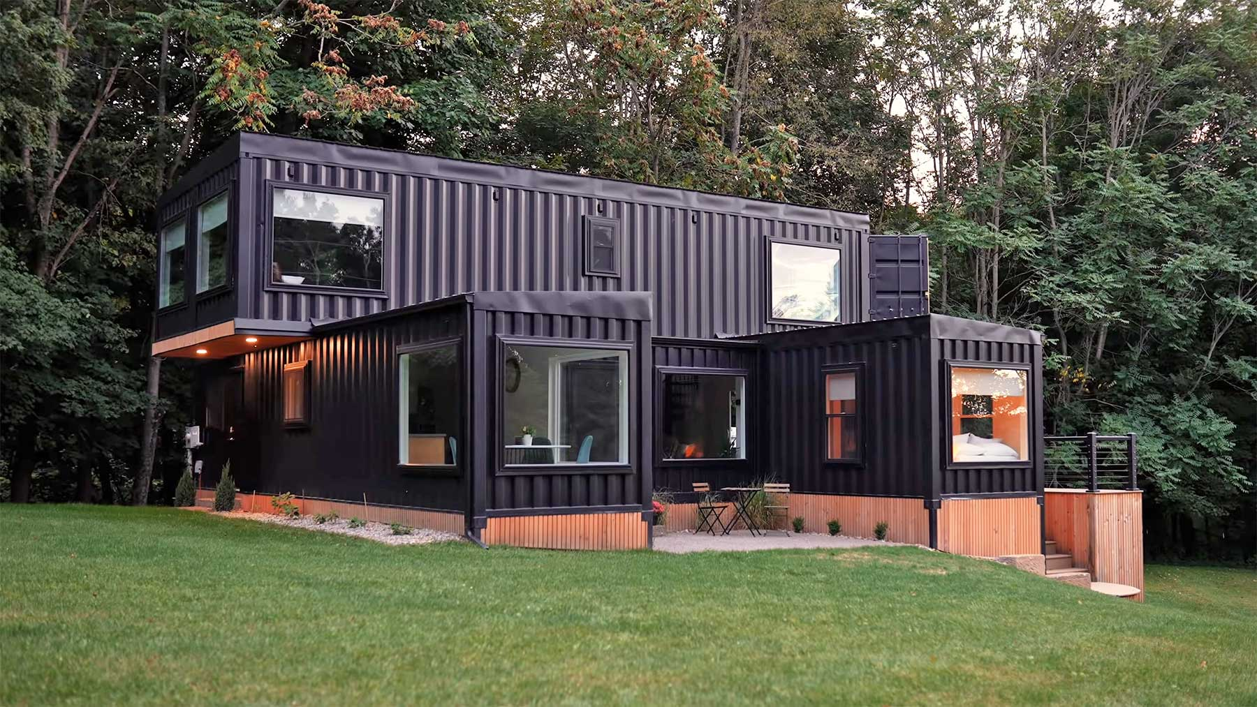Design-Airbnb-Haus aus 6 Schiffscontainern